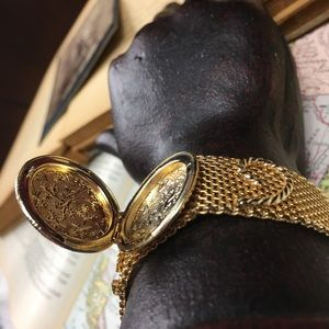 Sarah Coventry Jewelry - Vintage Coventry Gold Tone Mesh Locket Bracelet